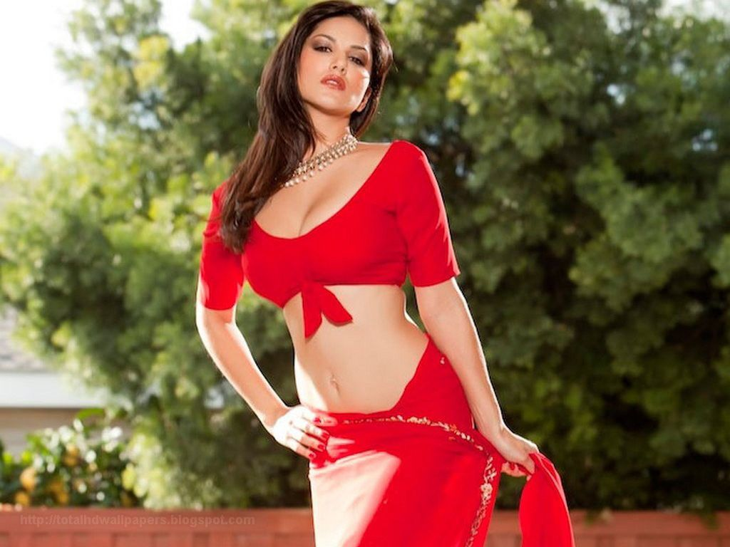 sunny leone in red saree